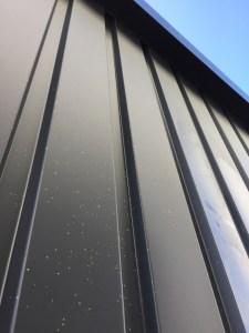 ガルバリウム鋼板壁補修