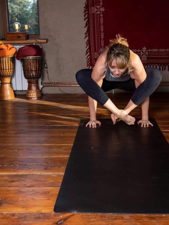 Mata do jogi czarna