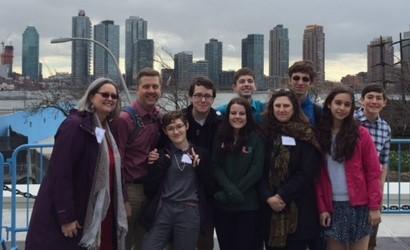 UU-UNO 2016 group with NYC skyline