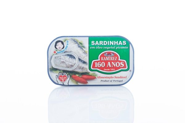 Uva Negra - Portuguese import food and wine products - Sardines in Hot Sauce