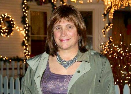 Christine Hallquist, the CEO of Vermont Electric Coop, says she intends to challenge Gov. Phil Scott.