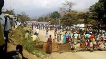 MAKOBOLA-RDC: VIVE TENSION LE MATIN DE CE MARDI 8/9/2015
