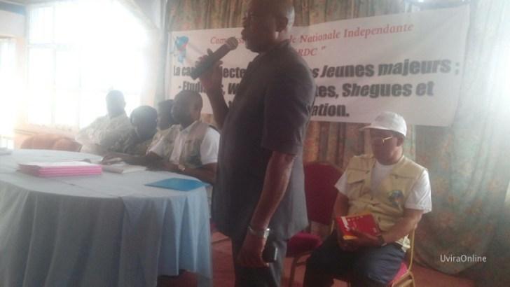 Uvira – RDC : Norbert KANTINTIMA de la CENI, Sensibilise la population sur la Révision électorale