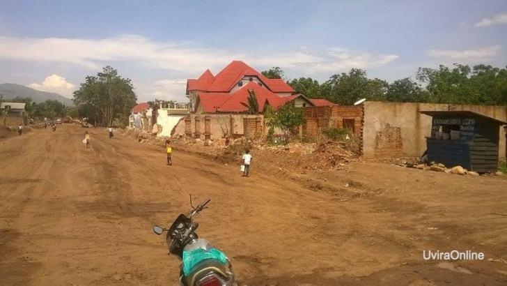 Uvira-RDC: La construction de routes de la voirie d'Uvira continue.