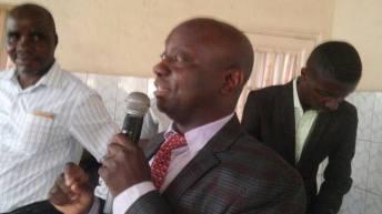 Uvira-RDC : conférence – débat sur les recherches scientifiques avec le prof Shetonde