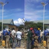 Luvungi-RDC: L'installation des poteaux pour l'éclairage publique solaire