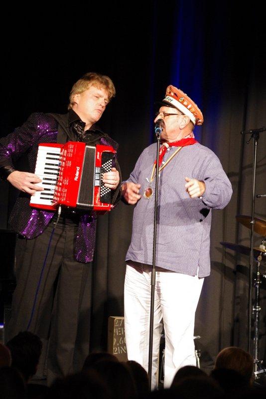 """Im Duett mit dem """"Ausrufer"""" von Norderney. (Foto: Johannes Visser)"""