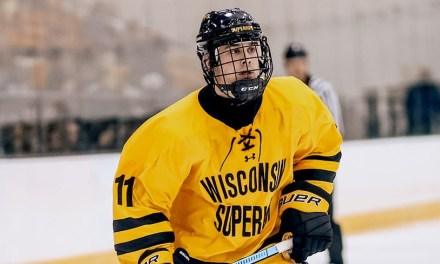 Men's hockey winning streak halted with 4-2 loss at UW-Stout
