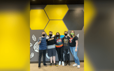 Student-designed and painted mural debuts in YU café