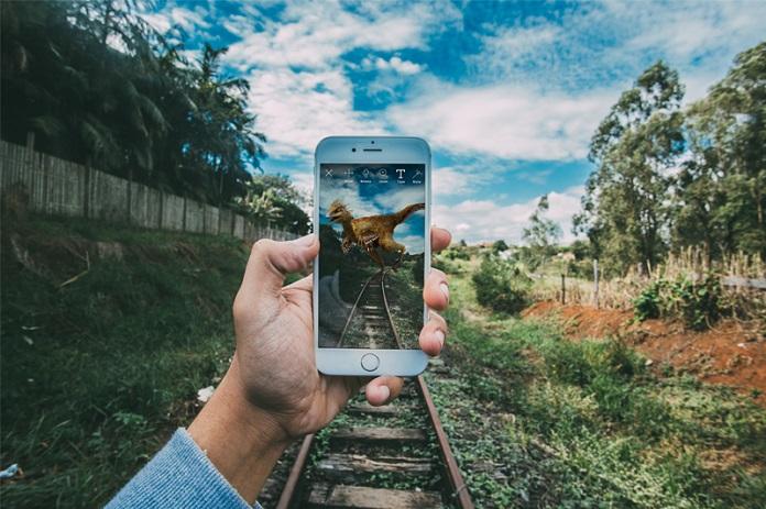 Surreal Mobil Uygulaması