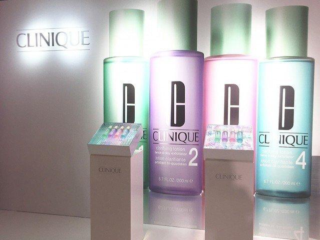 拭き取り化粧水は毎日使った方が効果がある?正しい使い方を紹介♪毛穴に効くおすすめ拭き取り化粧水ランキング!