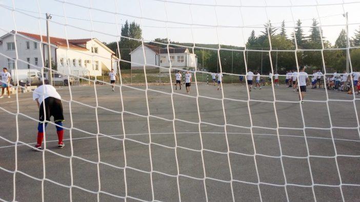 Nogometna utakmica u Uzarićima Gugići-Zovke