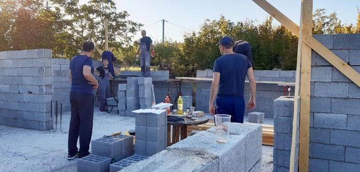 Izgradnja svlačionice u sklopu sportskog centra Uzarići