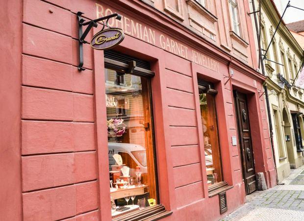 Магазины в Праге. Магазин «Granát Turnov» на Dlouhá 710/28