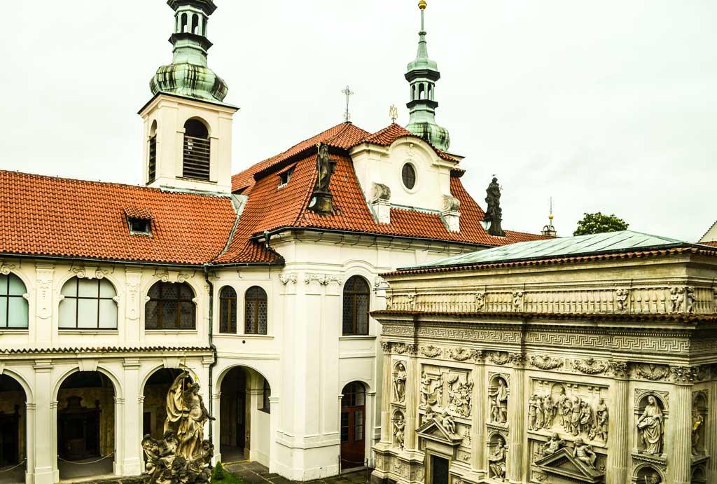 Прогулка по Праге самостоятельно. Градчаны. Церковь Рождества Христова