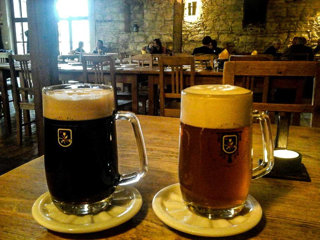 Чешское пиво. Индийский светлый эль «Benedikt IPA 15°» и тёмный лагер «Benedikt Tmavé 11°»