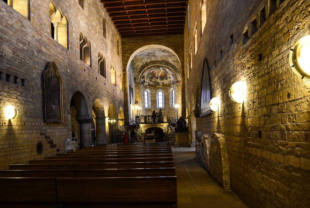 Интерьер Базилики Св. Иржи