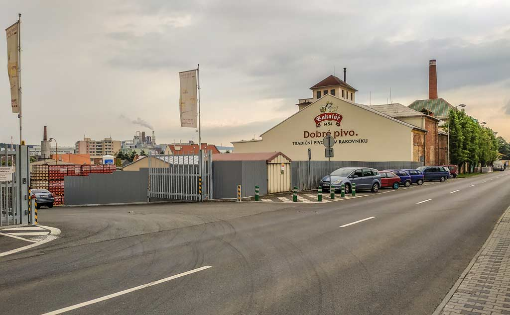Раковник. Пивоваренный завод «Bakalář»