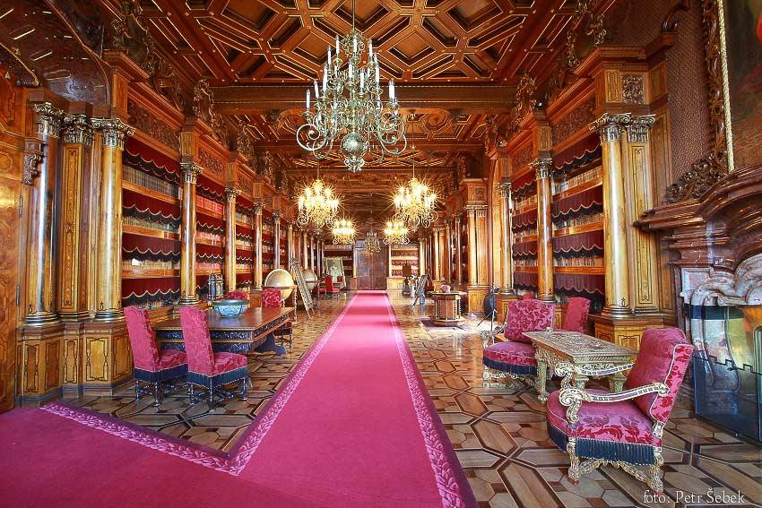 Замок Глубока. Библиотека