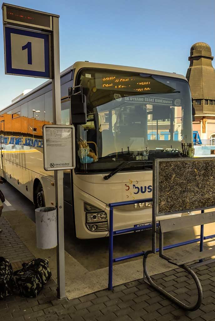 Автобус из Ческе-Будеёвице в Глубока-над-Влтавой