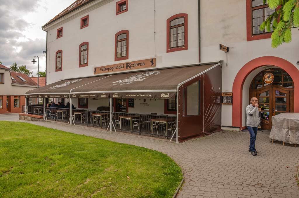 Фирменный ресторан Velkopopovická Kozlovna