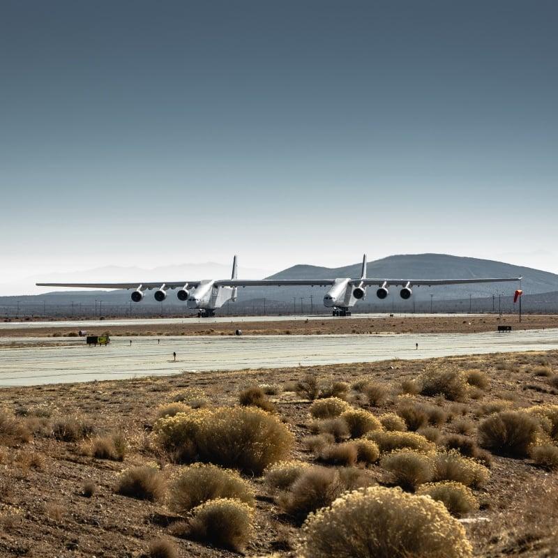 Dünya'nın En Büyük Uçağı İlk Test Uçuşunu Gerçekleştirdi
