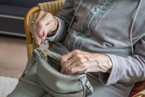 История о том, как местная банда бабуле помогала