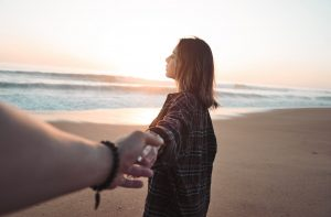 """""""Если Вас ничего не держит в отношениях, уходите"""" - глубокие мысли одной женщины"""