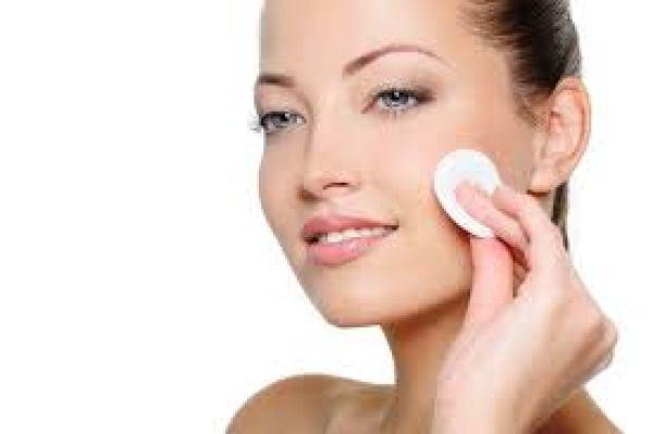 10 способов, как использовать крем Nivea для красоты