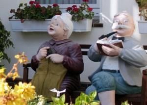 Дедушка с бабушкой решили позабавиться