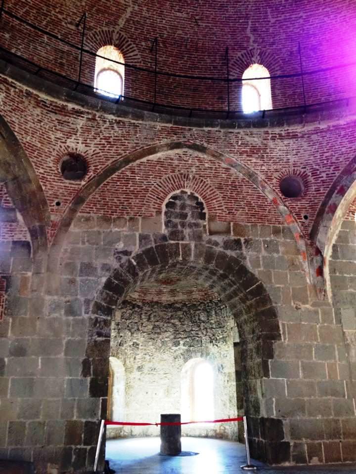 Ahmediyye camisinin ichi