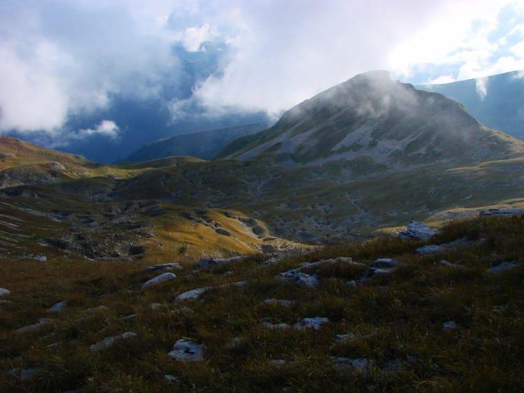 gora so vhodom v peshheru sarma e