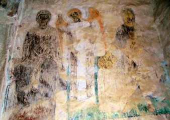 Фрески на стенах неплохо сохранились