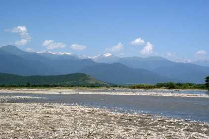 reka Alazani pejzazhi