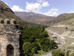 Самцхе-Джавахетия. Потухшие вулканы, замки, пещерные города и горные озера