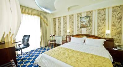 Отель Continent Cron Palace в центре Тбилиси