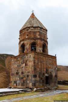 Гергетская церковь - святыня у подножия горы Казбек