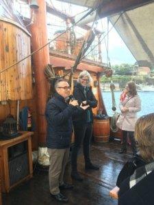 VIR-Vorstand begrüßt die Gäste des VIR-Austauschmeeting vor einer Schifffahrt auf dem Oslofjord