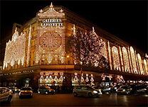 Galerie Lafayette, s�mbolo das compras em Paris