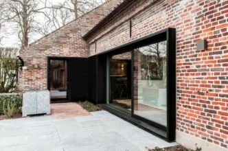 Artistic Exposed Brick Architecture Design 7