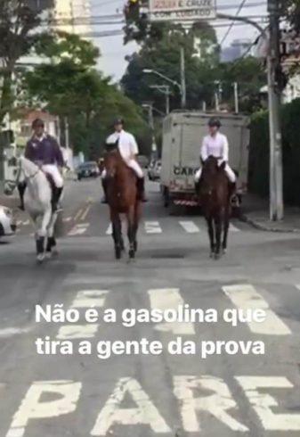 José Reynoso indo para prova em dia de crise do combustível, foto do Instagram