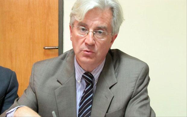 M. Alain Holleville, chef de délégation de la Commission européenne