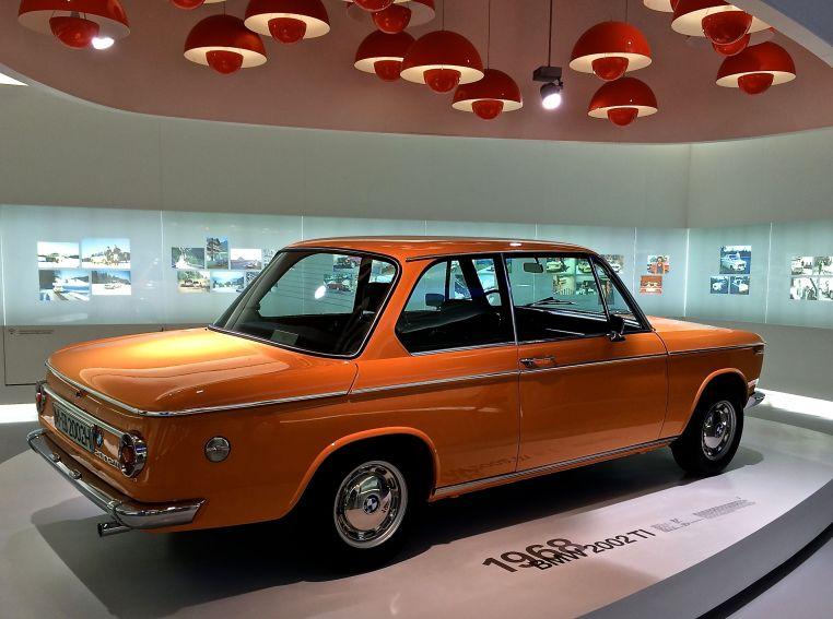 Der BMW 2002 ti: Irgendwas zwischen Knutschkugel und Autobahnschreck - Kult!
