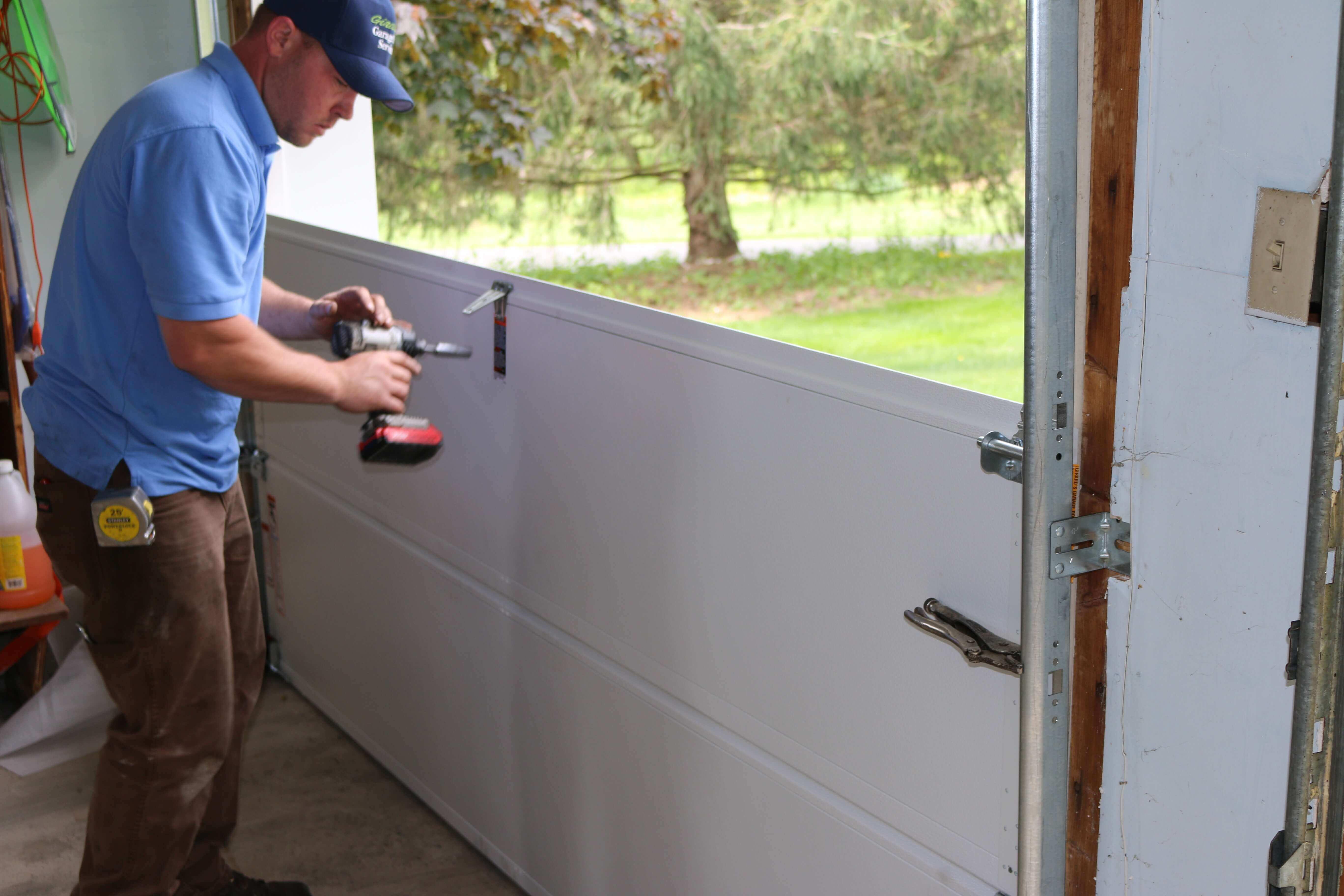 Know How to Choose the Best Garage Door Repair Service