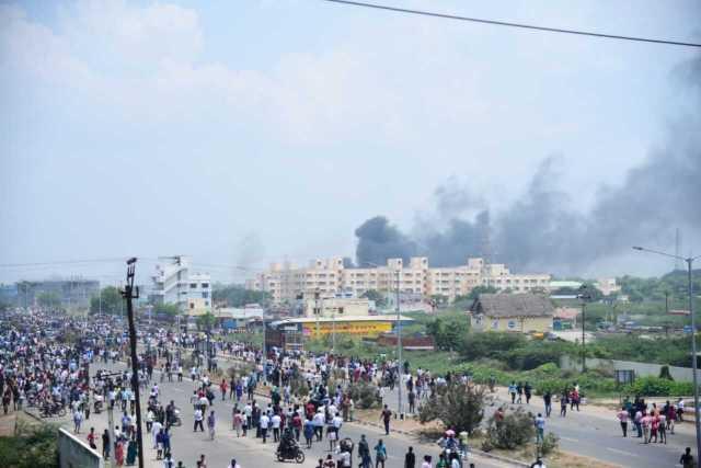 sterlite staff quarters violent protests fire