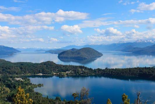 Foto panorámica del paisaje de Bariloche, Patagonia Argentina