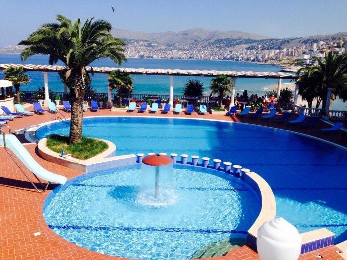 Hotel con piscina a Saranda, Albania