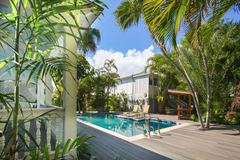 RENT Papa's Hideaway - Garden of Eden - Nightly Rental   Key West Vacation Rental