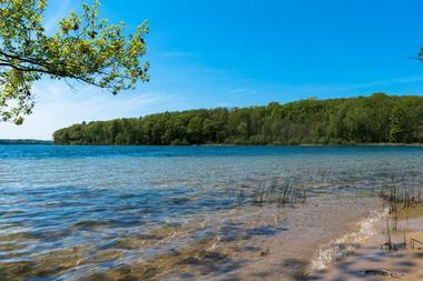 20 Most Beautiful Lakes In Michigan