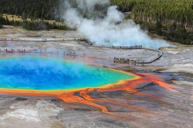 Famous Places to Visit: Yellowstone National Park, USA